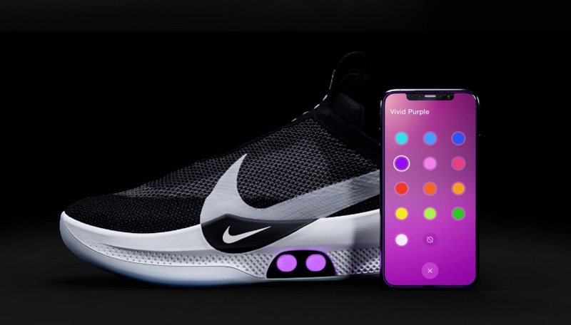 Nike présente des souliers connectés qui se serrent automatiquement