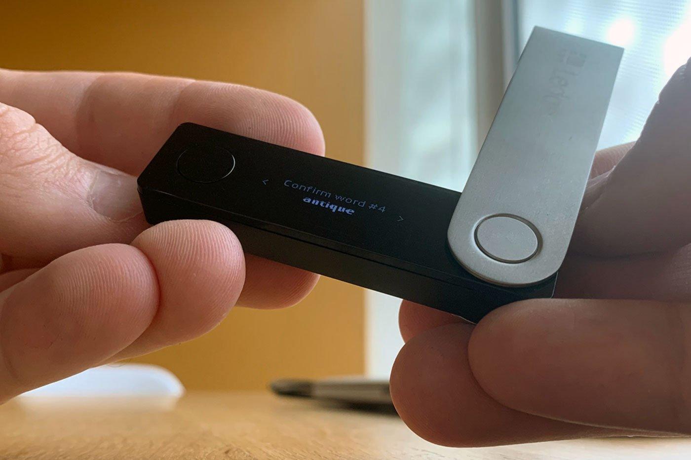L'écran du nouveau Ledger Nano X