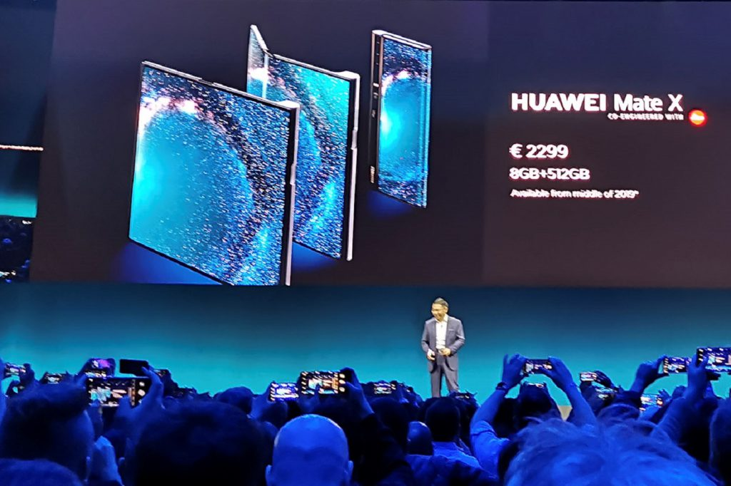 Présentation du Mate X par Huawei au Mobile World Congress 2019