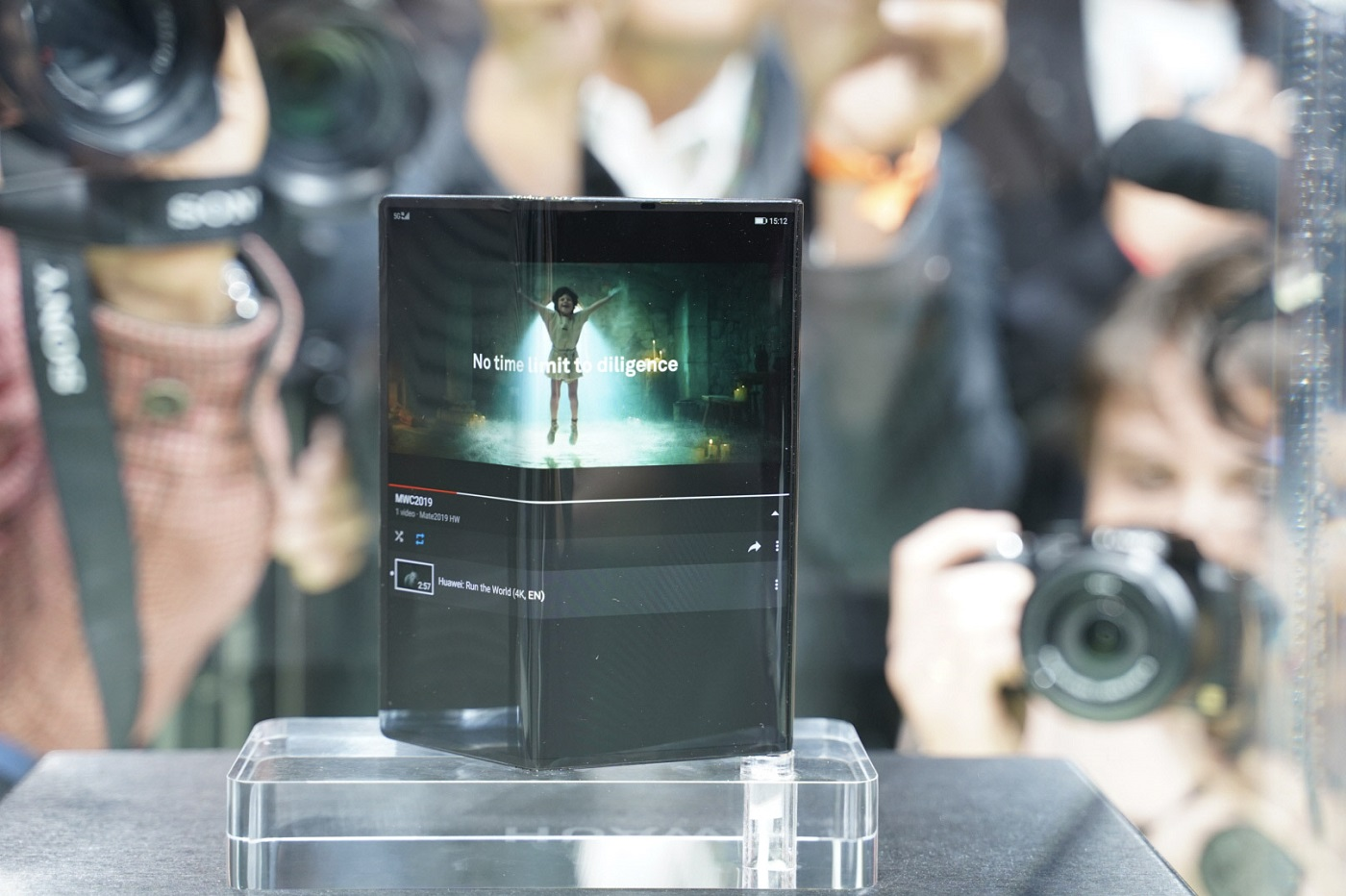 Le Huawei Mate X au Mobile World Congress 2019