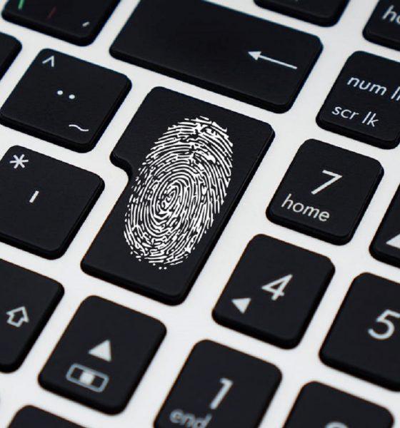 Empreintes digitales, clavier, ordinateur