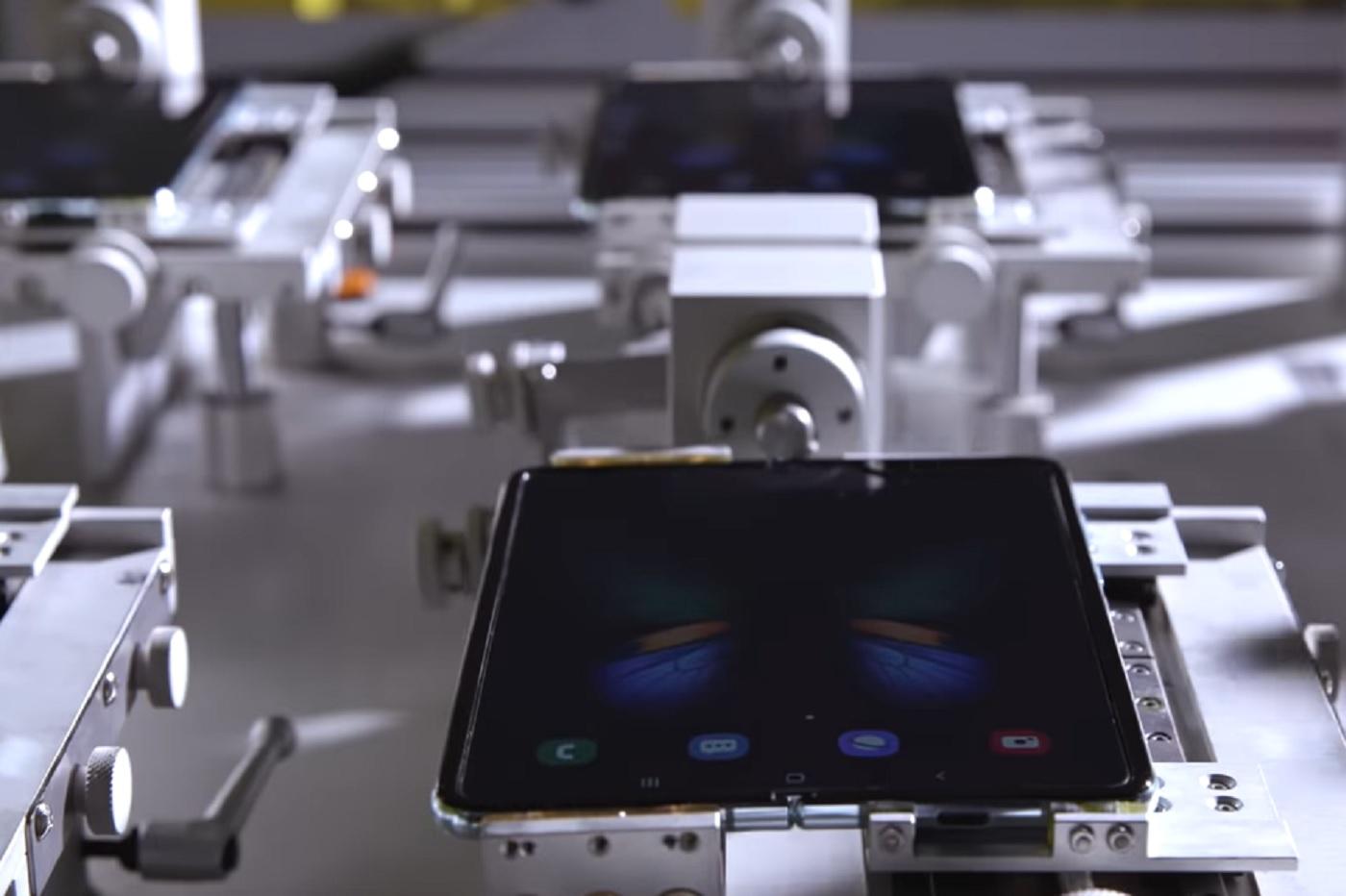 [Vidéo] Samsung Galaxy Fold : oui, il peut être plié / déplié 200 000 fois !