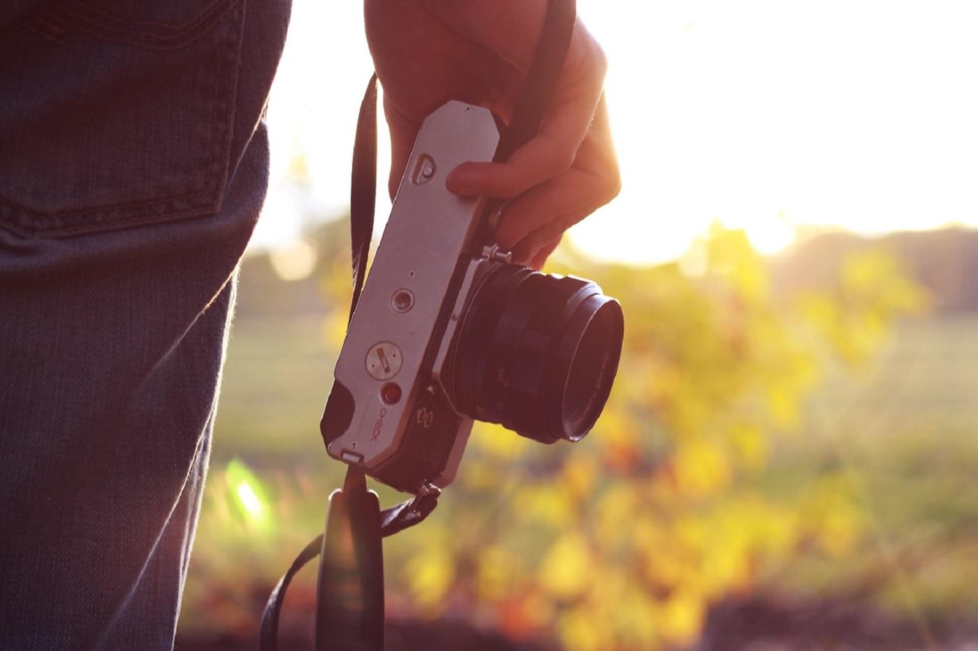 Une caméra, appareil photo, photographie, photographe ( Source Pixabay)