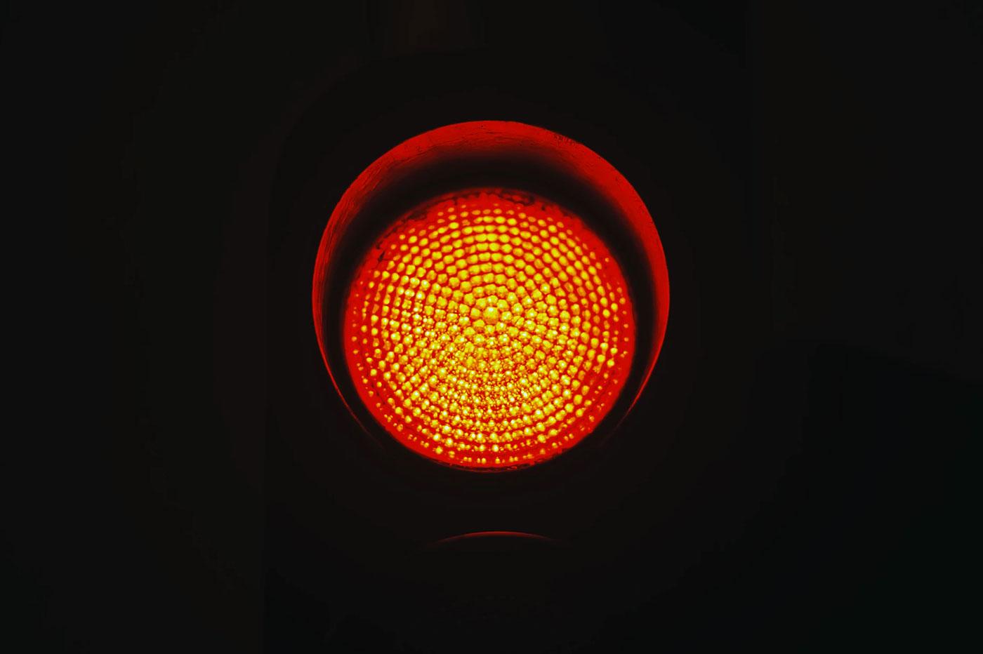 Tesla en feu rouge