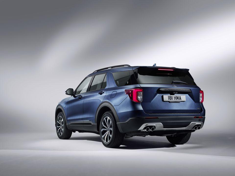Ford-Explorer-Hybrid