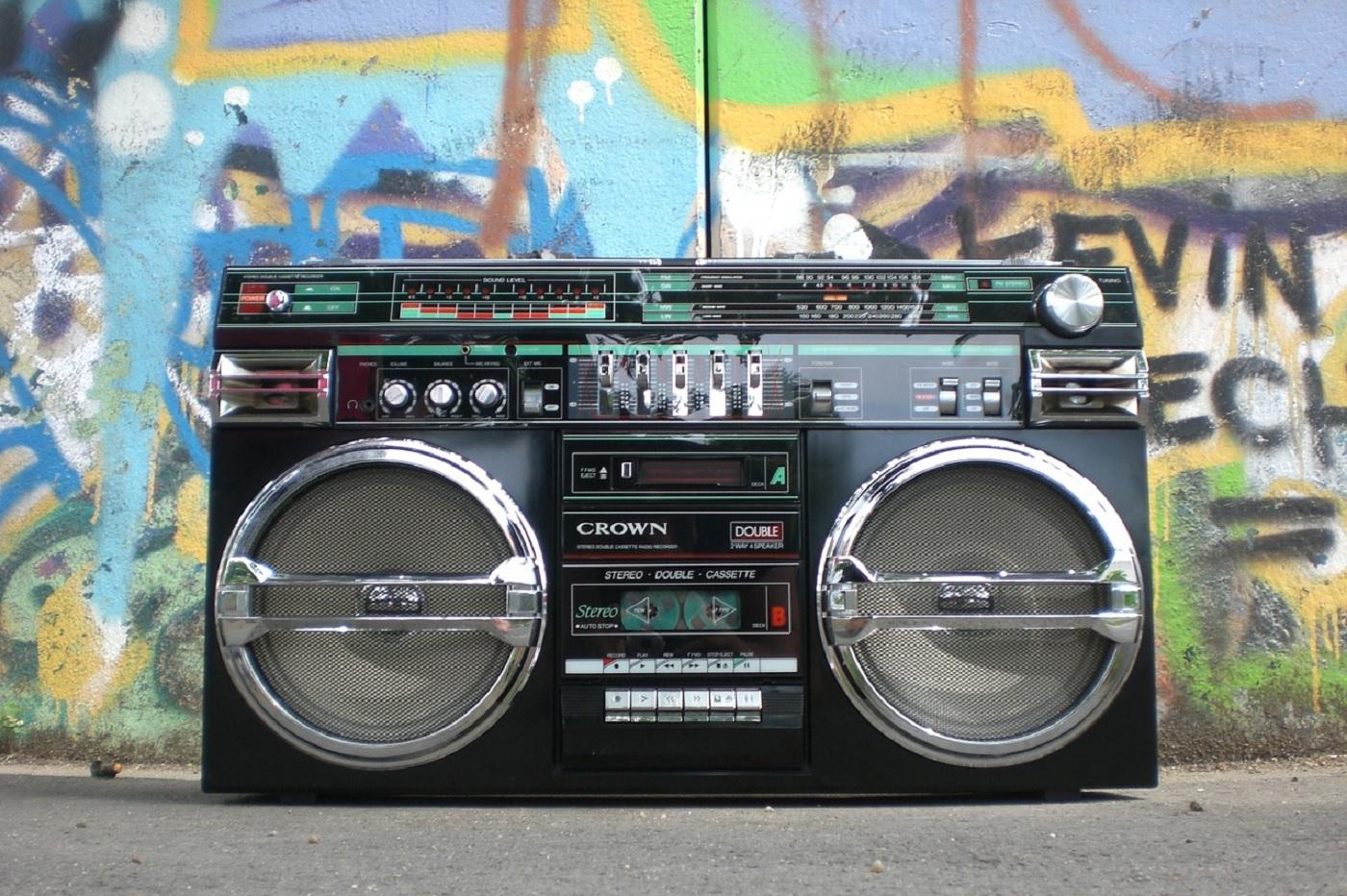Une radio cassette