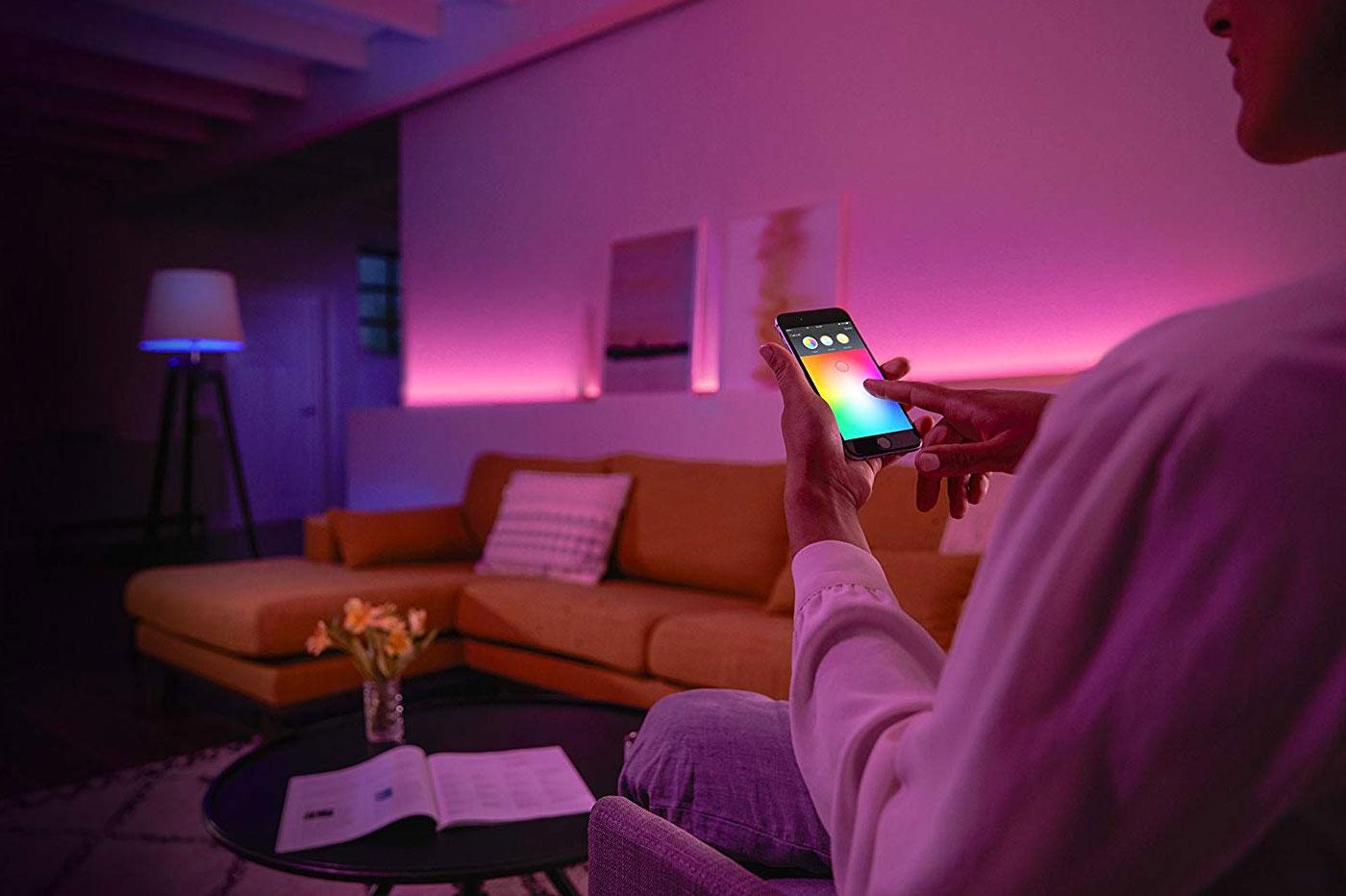 offre flash ampoules philips hue en promo 46 chez. Black Bedroom Furniture Sets. Home Design Ideas