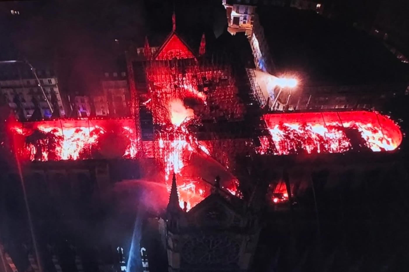 Incendie Notre-Dame drone DJI