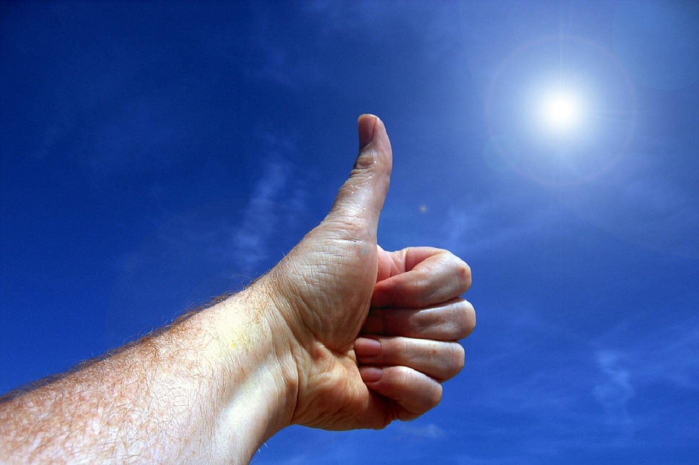 Un pouce, j'aime, soleil, ciel, main, corps