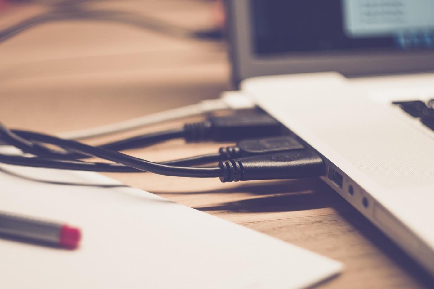 Port USB et ordinateur