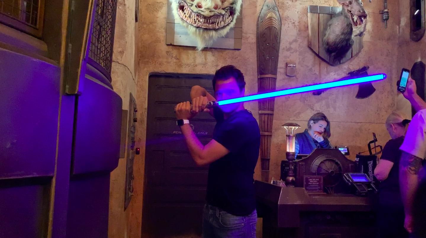 Star Wars Galaxy's Edge Sabre Laser