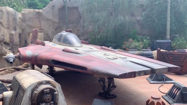 Star Wars Galaxy's Edge Astroport 03