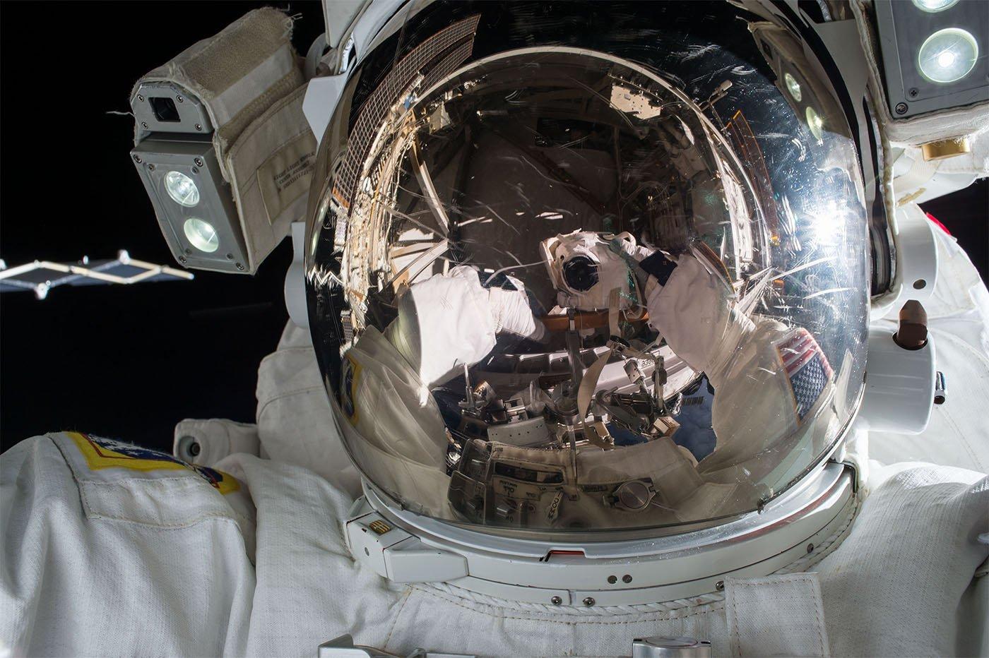 Astronaute cerveau espace