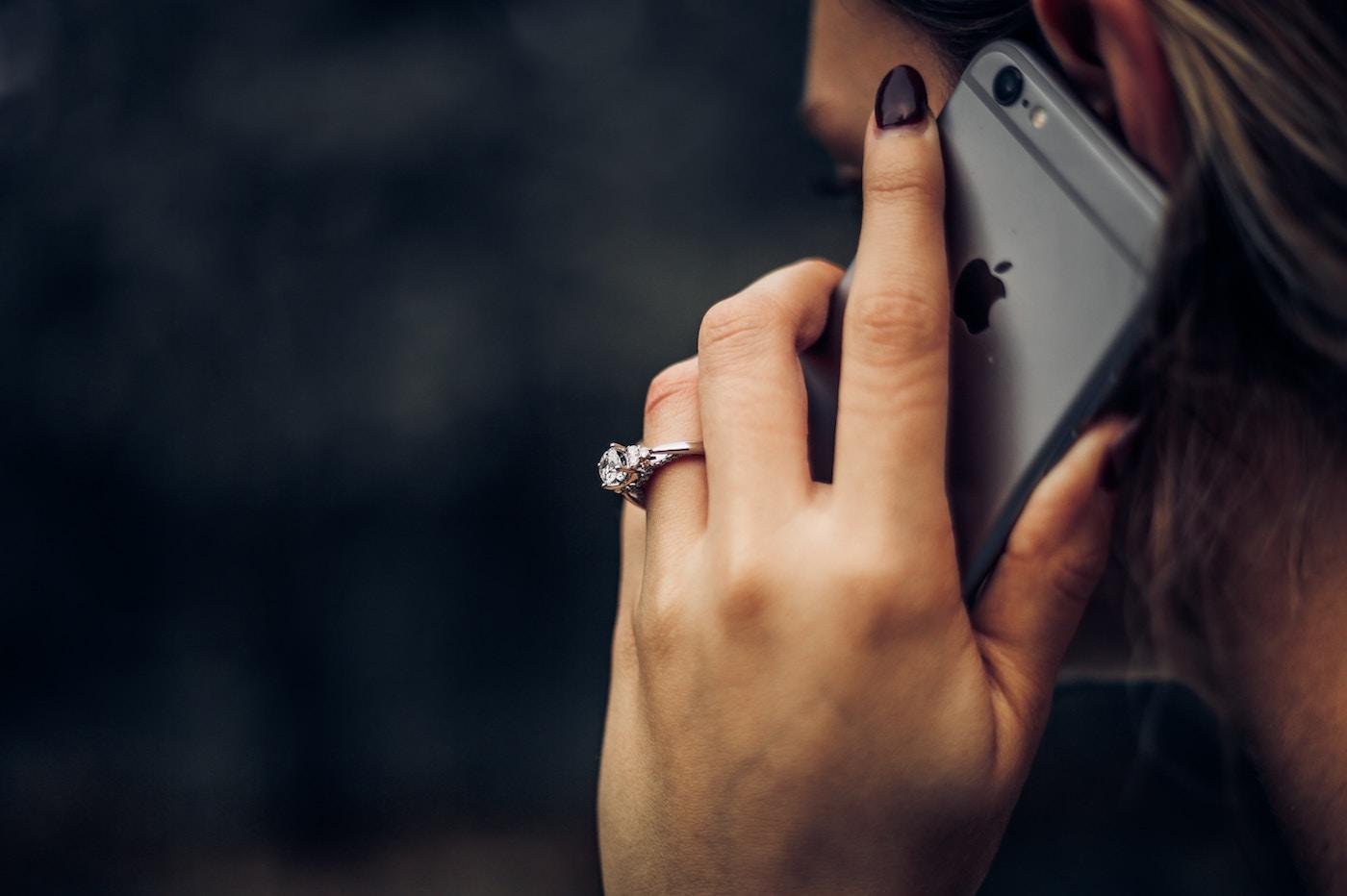 Les applications de blocage d'appels automatiques partagent nos données personnelles