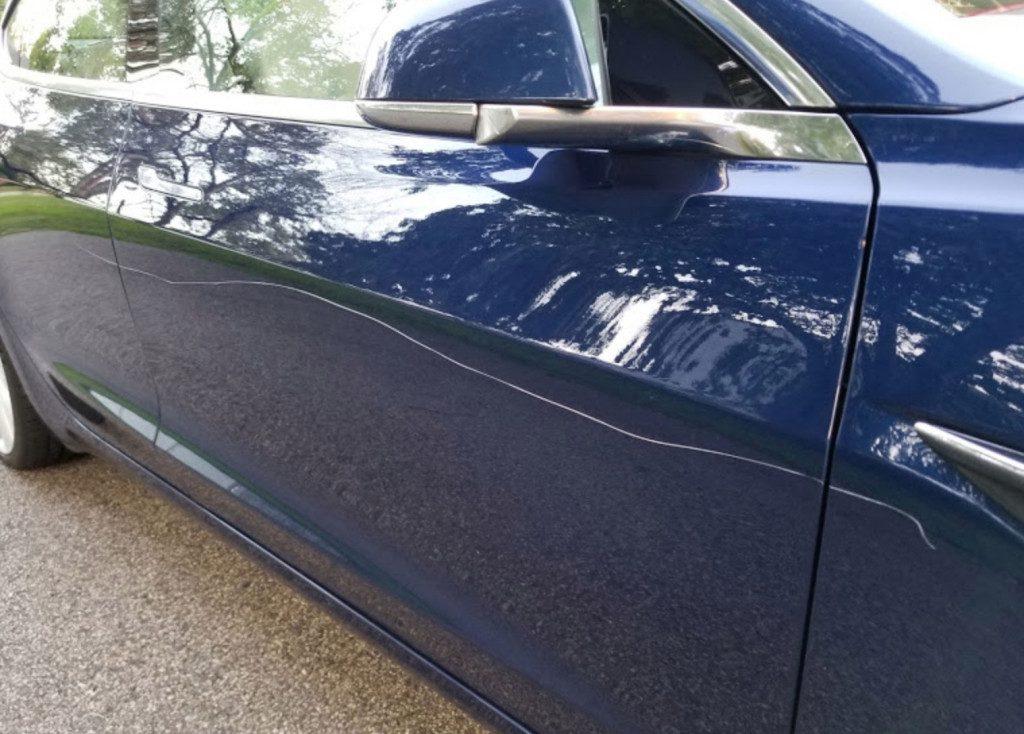 Tesla Model 3 rayure