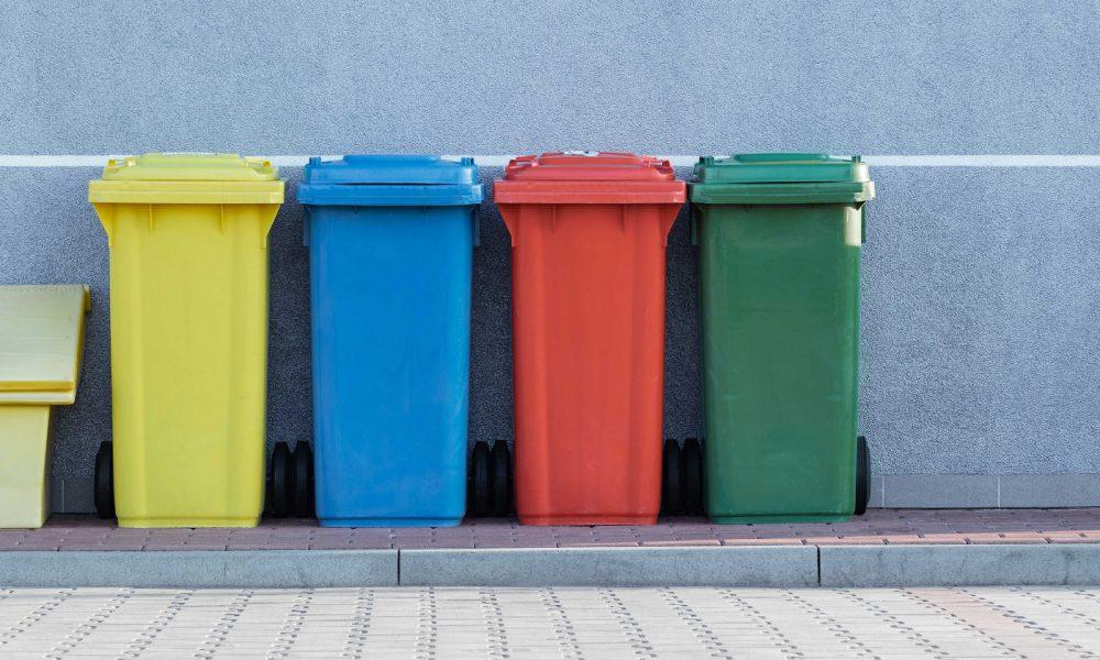 modèles à la mode matériaux de qualité supérieure large choix de couleurs et de dessins Finie la corvée, cette poubelle connectée a la capacité de ...