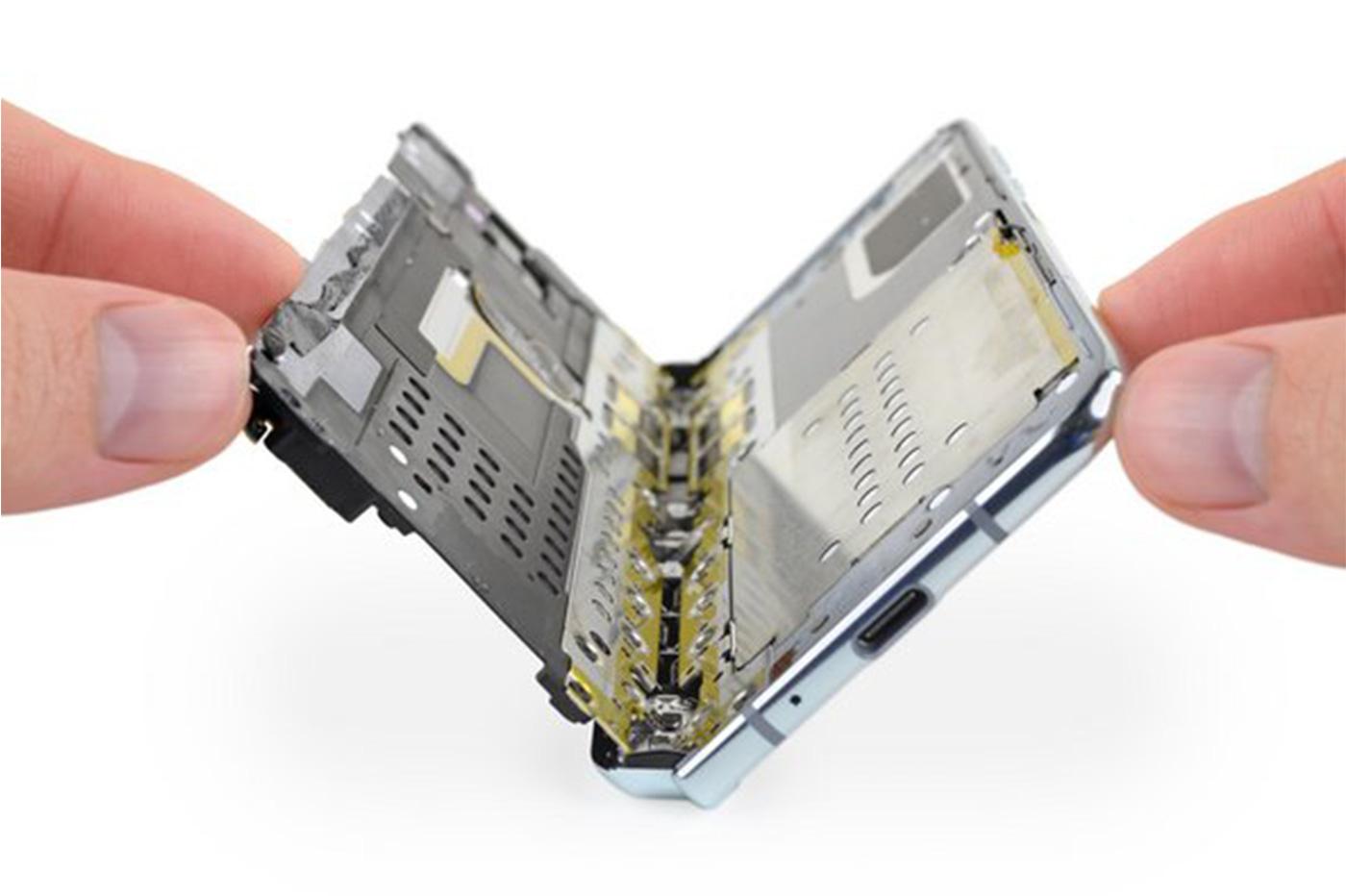Samsung Galaxy Fold iFixit
