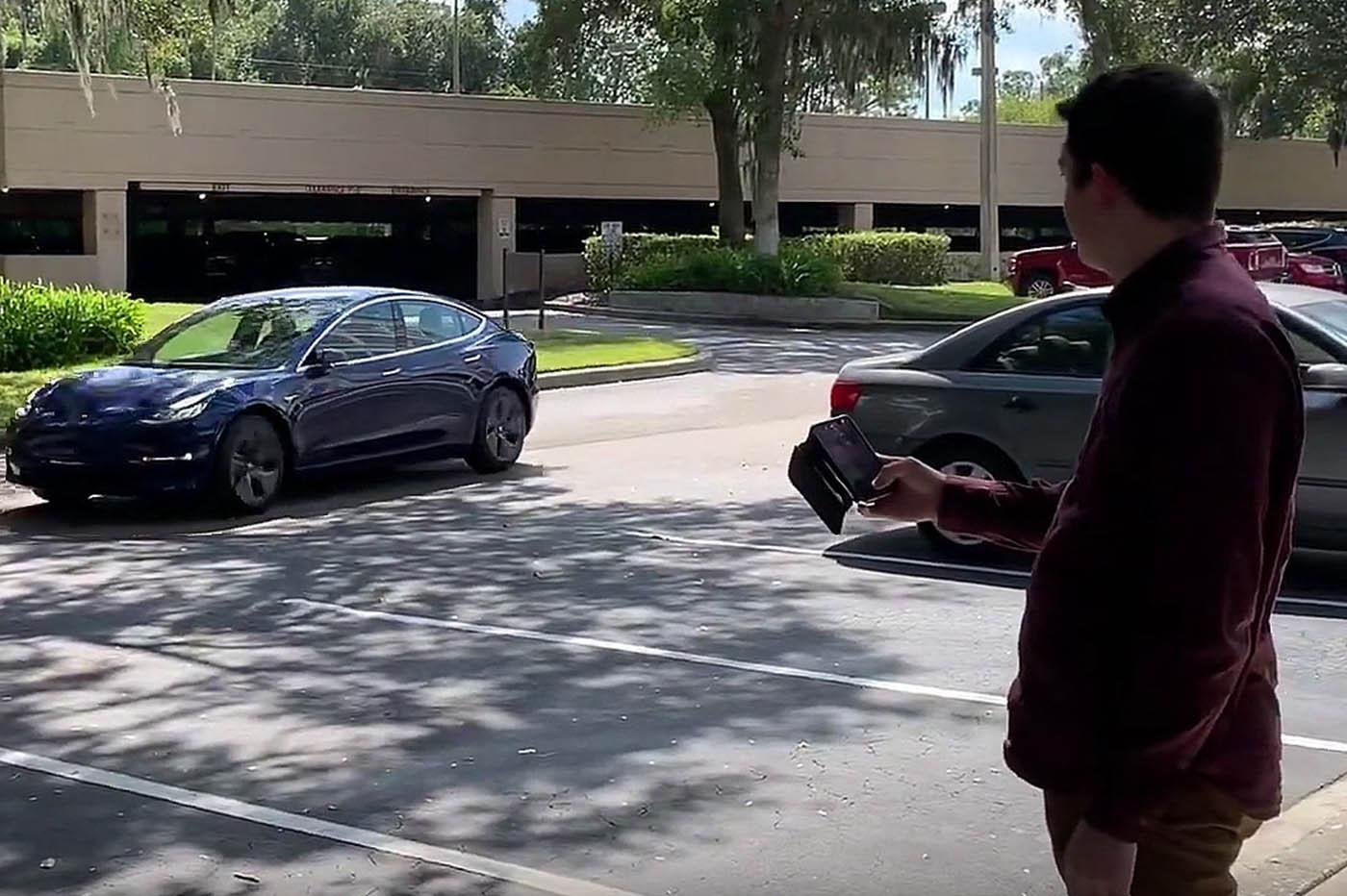 Smart Summon Tesla