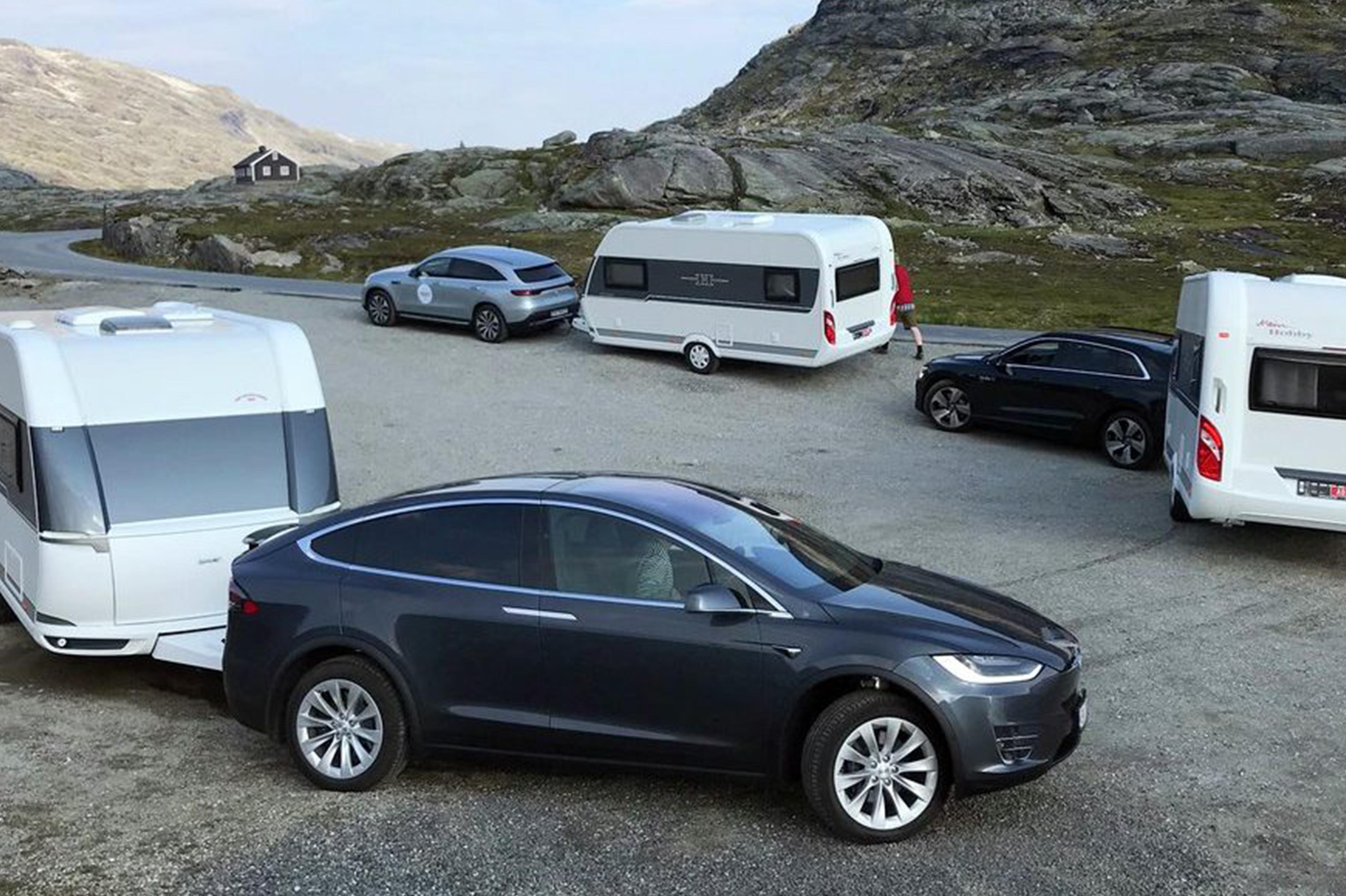 Tesla devance largement la Mercedes EQC et l'Audi e-tron