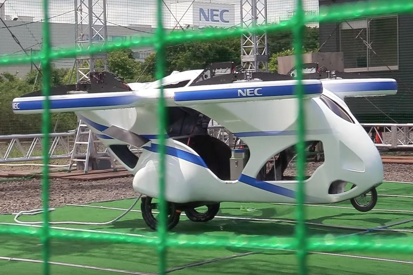 La voiture volante autonome commercialisée avant la voiture autonome sur route?