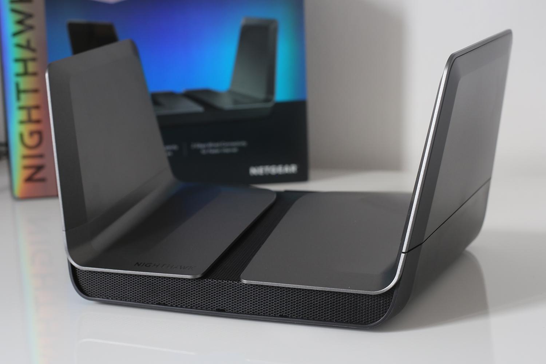 Test du Netgear Nighthawk AX8, un puissant routeur Wi-Fi 6