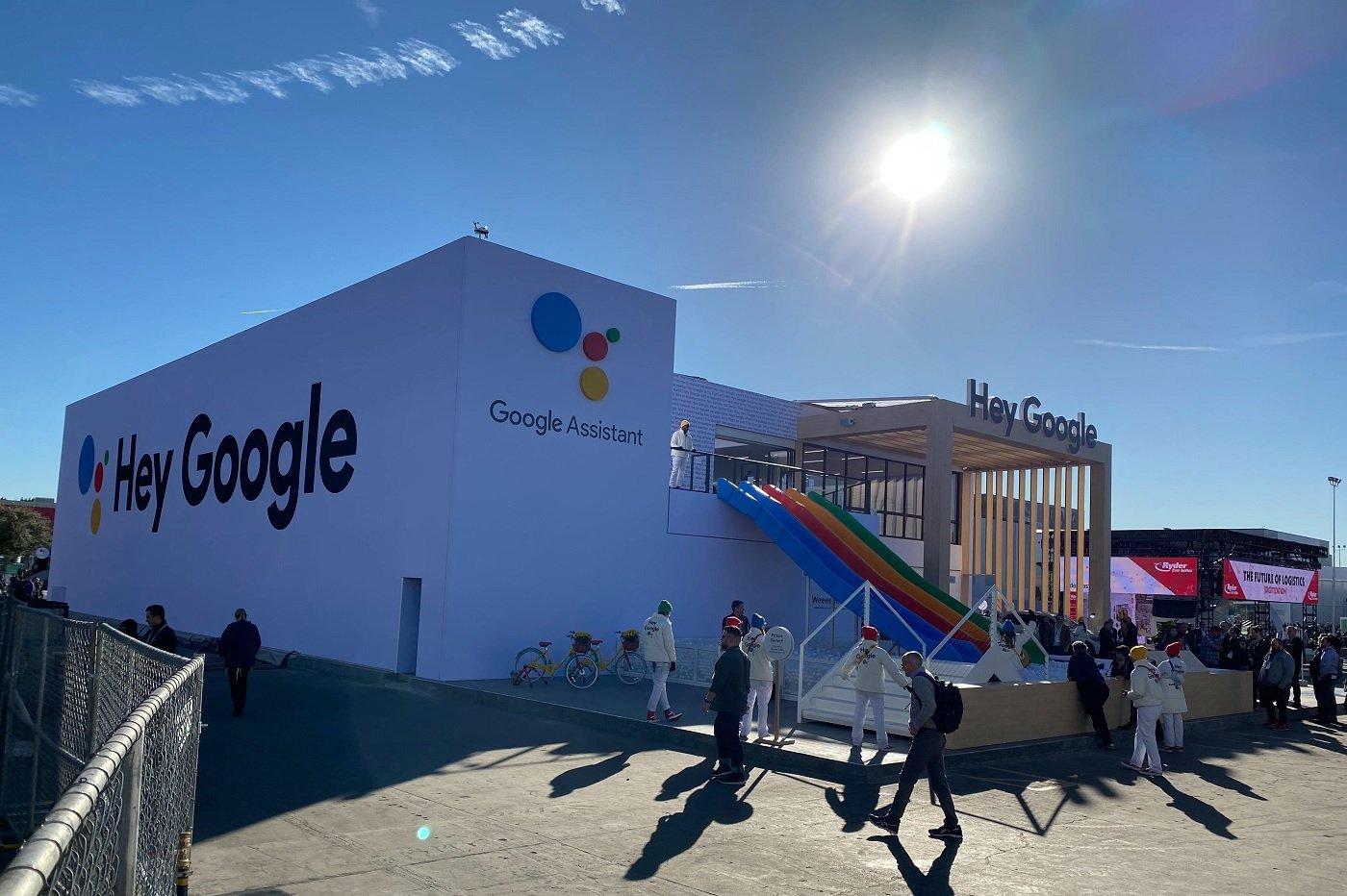 Logo et présence de Google Assistant au CES 2020 de Las Vegas. Avec Google Assistant