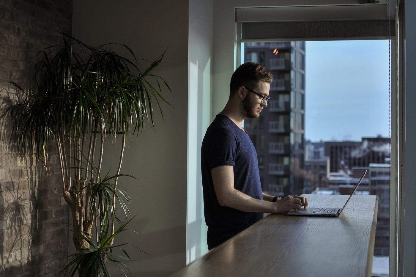 Télétravail : le grand boom des logiciels de surveillance fait polémique