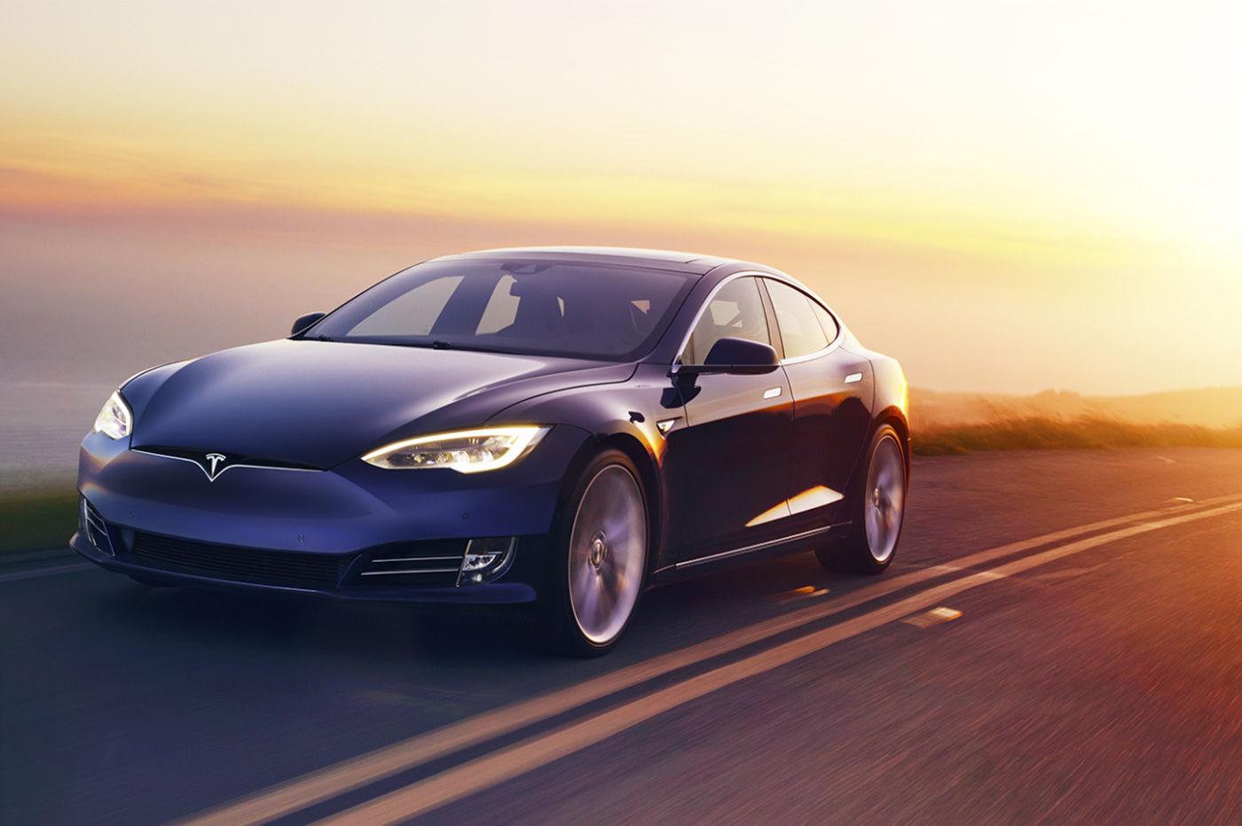 Tesla mise à jour