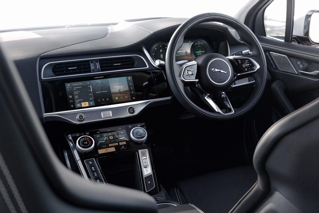 Jaguar I PACE Volant
