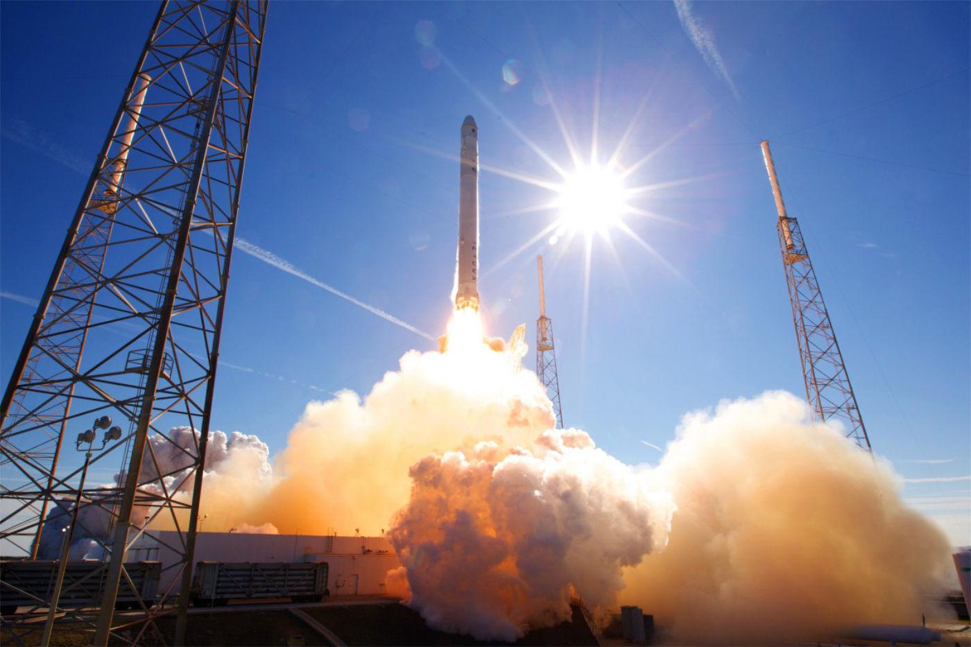lancement de fusée rocket lab
