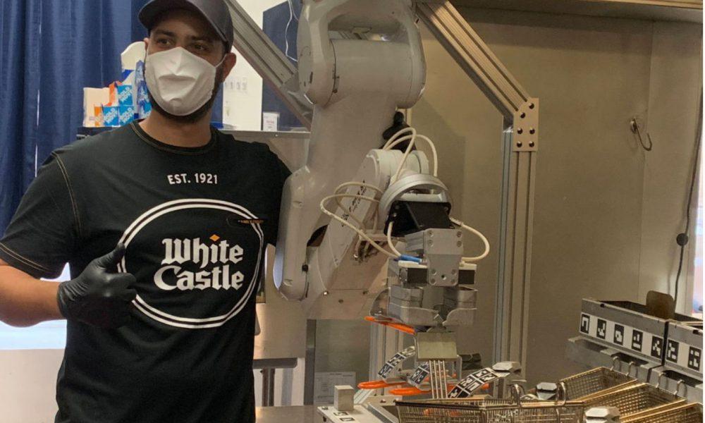 White Castle lance le robot Flippy
