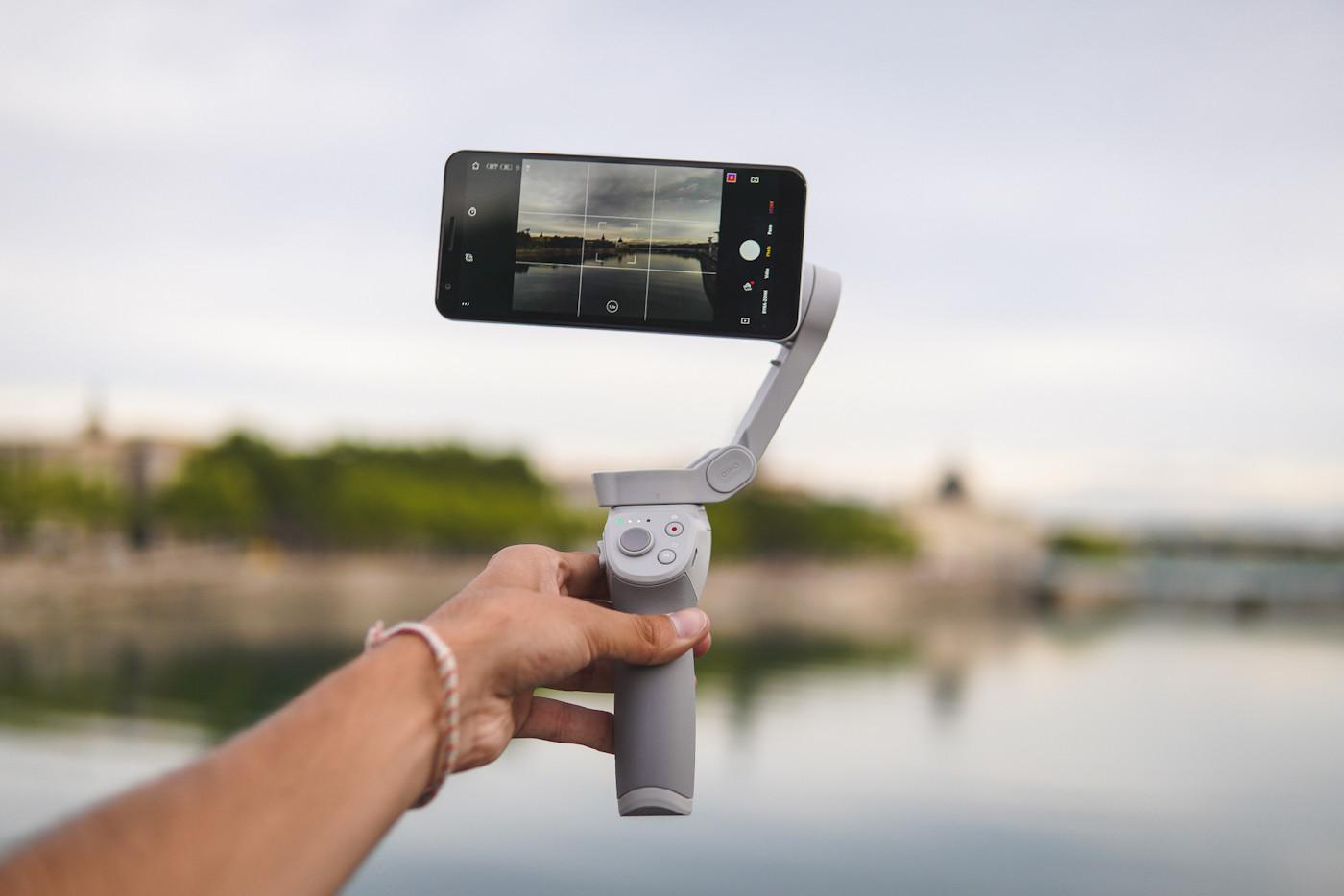 DJI Osmo Mobile 4 stabilisateur smartphone