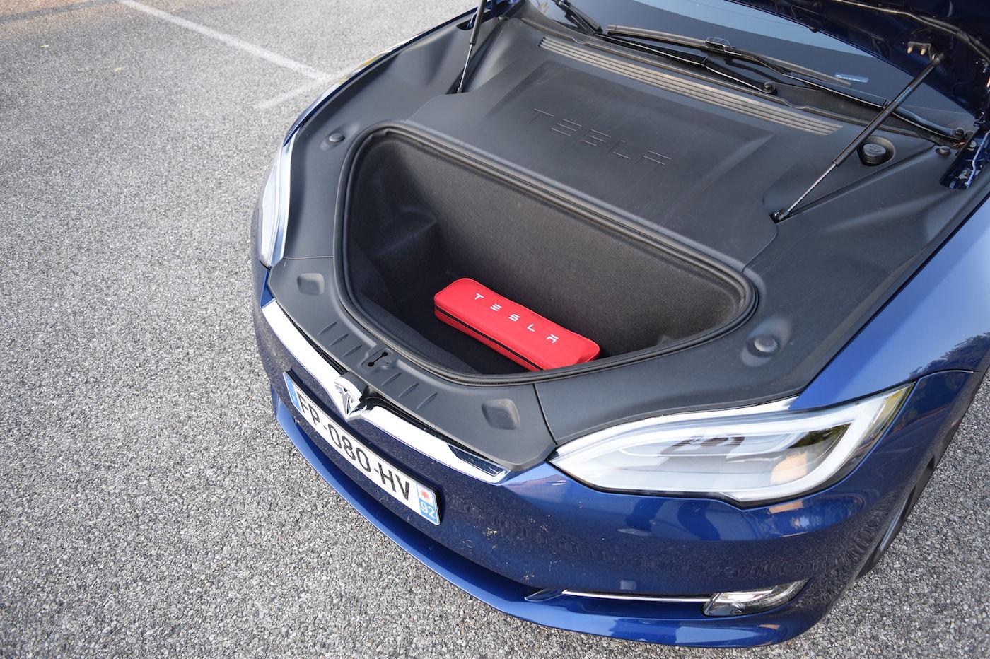 Tesla Model S coffre avant