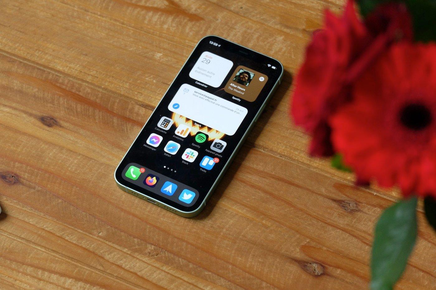 test iphone 12 screen