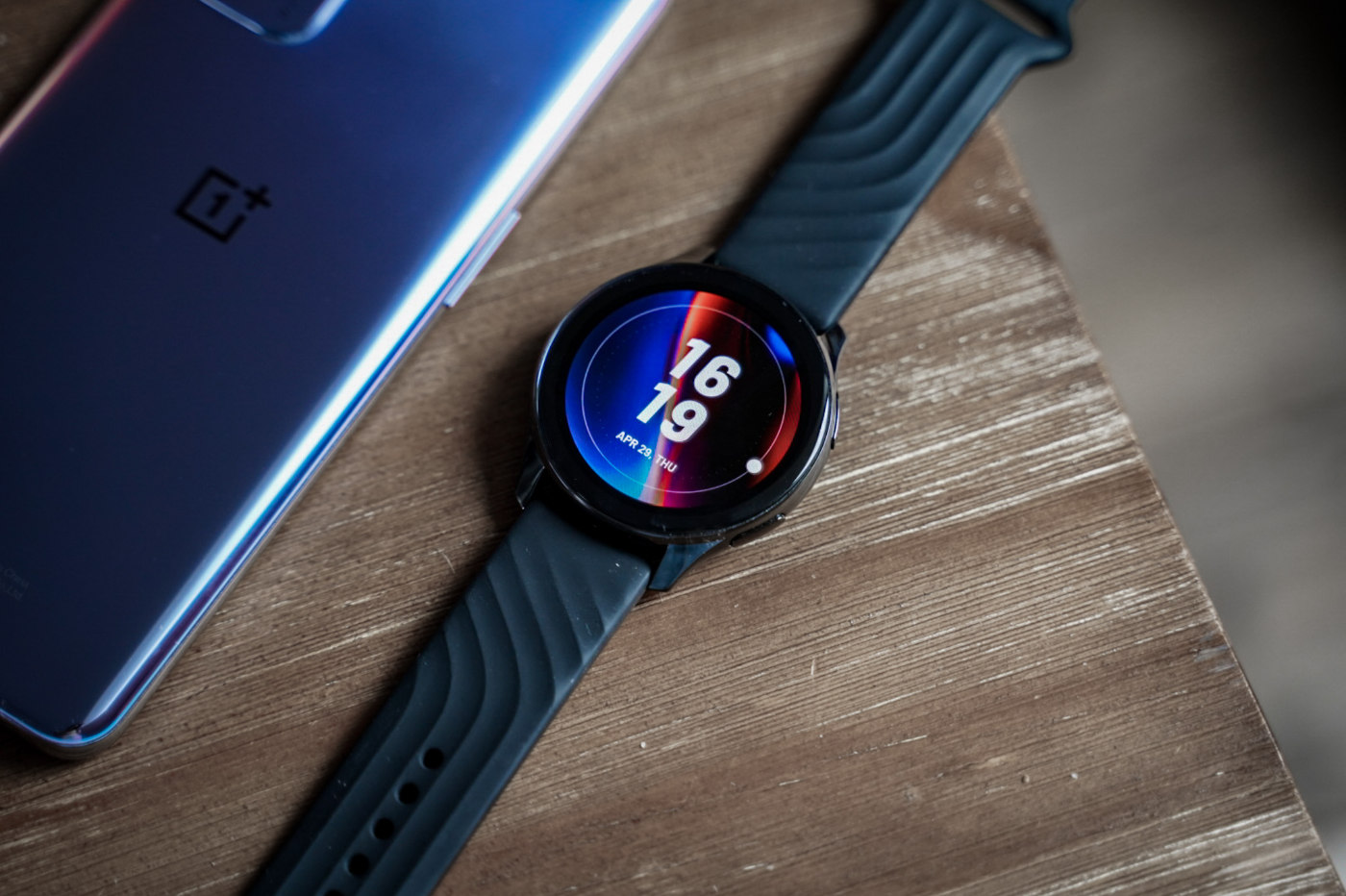 test oneplus watch design