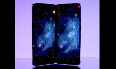 OnePlus smartphone pliant