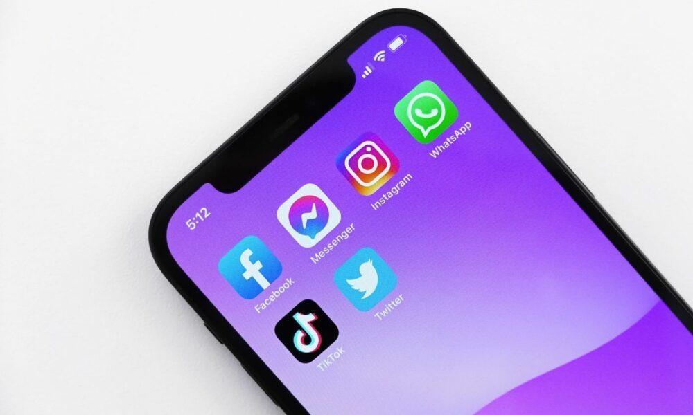 Réseaux sociaux sur iPhone